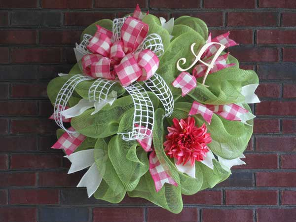 How to Make a Mesh Wreath